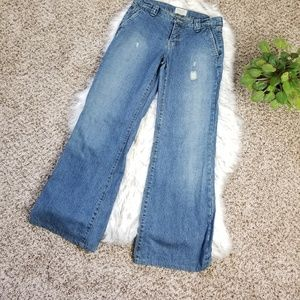 Abercrombie & Fitch Flare Distressed Jean Size 4